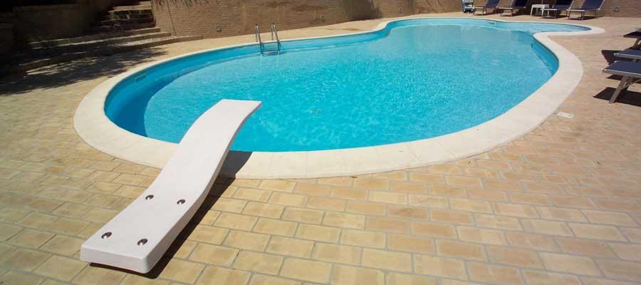 Accessori piscinaTrampolino modello Delfino