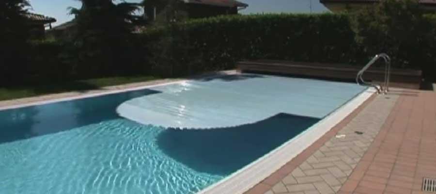 Coperture piscinaCopertura piscina a tapparella