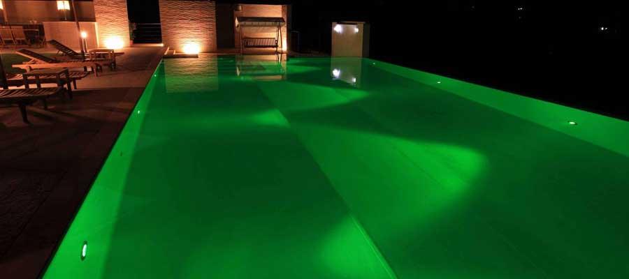 Illuminazione-piscinaFari-a-led-colorati